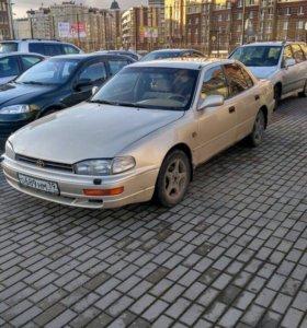 Toyota Camry, 1993, 2.2 MT