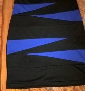 Платье синего цвета с черными вставками