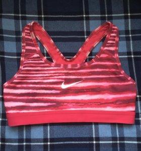 Спортивный топ Nike