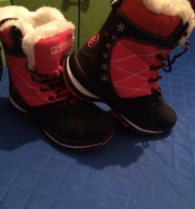 Зимние новые женские ботинки