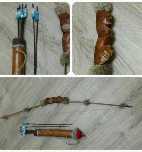 Лук с колчаном и стрелами