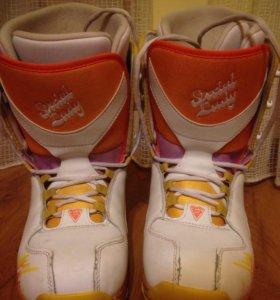 Ботинки сноубордические женские