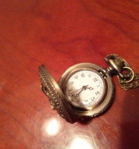Часы, кулон
