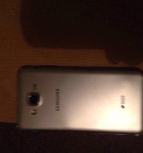 Продам телефон Самсунг j7