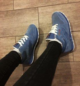 Новые женские кроссовки зимние