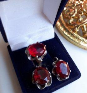 Серьги и кольцо с рубинами серебро