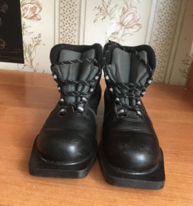 Лыжные ботинки 34-й размер