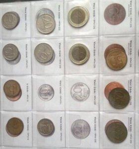 Коллекция монет в альбоме 1992-2017