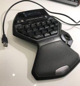 Игровая клавиатура Logitech G13