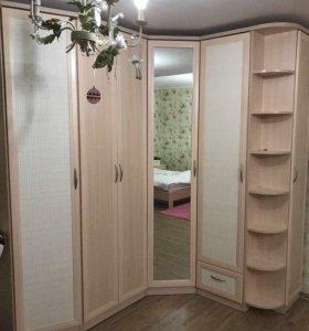 Мебель:шкаф угловой, стол, Кровать,комод