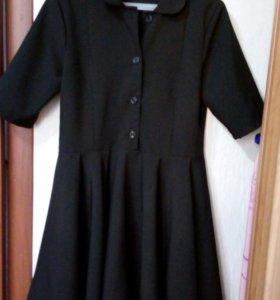 Платье школьное новое