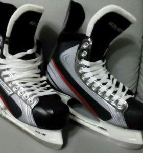 Продам коньки хоккейные Bauer Vapor X Pro