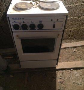 Электрическая печь и стиралка
