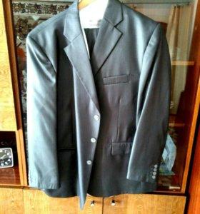 Продам мужской костюм в идеальном состоянии