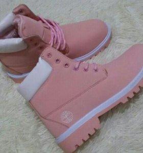 Ботинки зимние новые 40