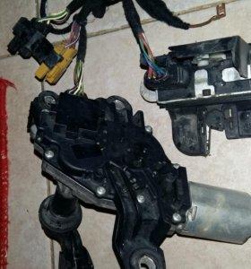 мотор стеклоочистителя с проводкой на VW Polo
