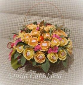 Цветы в корзине, Сладкие розы, розы из конфет