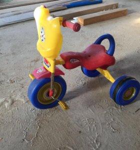 Велосипед пластиковый трехколёсный