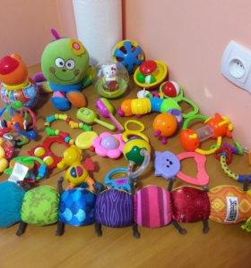 Погремушки, игрушки от 0 до 1 года