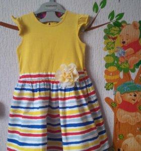 Фирменное платье на 4-5 лет