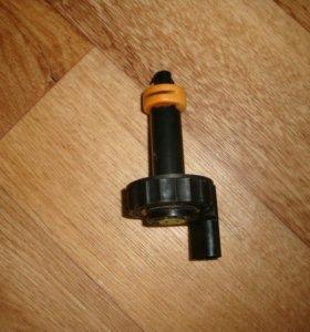 Крышка компенсационного тормозного бачка Пассат Б6