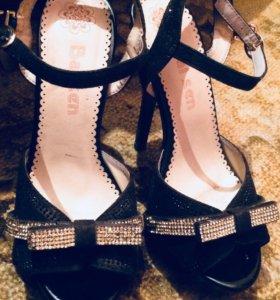 Женские обувь
