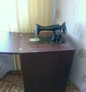 Швейная машинка-тумба