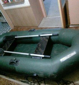 Двухместная лодка ПВХ.