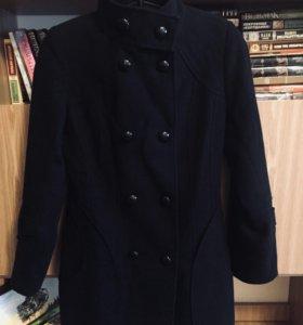 Чёрное фетровое пальто Суражанка с перчатками