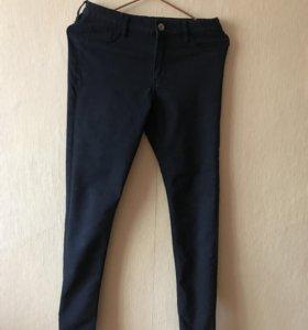 Классические чёрные джинсы на девочку