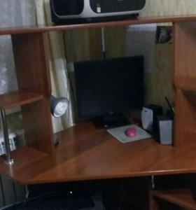 Стол для компьютора