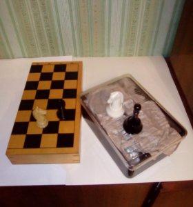 шахматы пластик. дерево