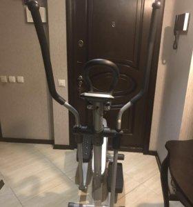 Эллиптический тренажёр Basic Fitness E510S