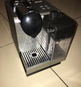 Кофемашина капсульная Nespresso DeLonghi en 520