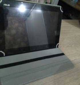 Срочно Asus Transformer Pad TF300TG с чехлом
