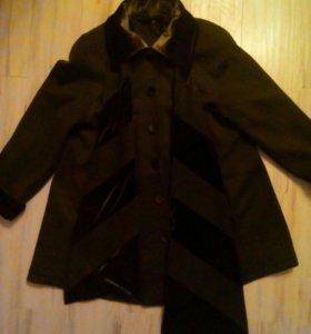 Пальто трикотажное на подкладе 52-54