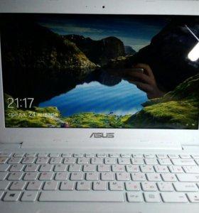 Ноутбук ASUS E402SA