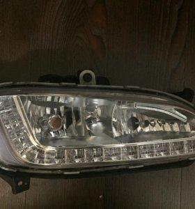 Противотуманная фара Hyundai Santa Fe 2012/15