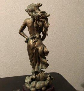 Статуэтка из бронзы