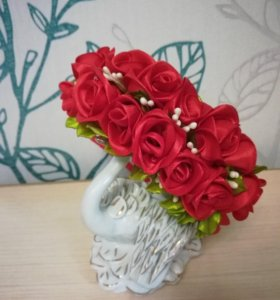 Ободок с красными розами