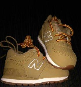 Оригинальные кроссовки New Balance 18 размер