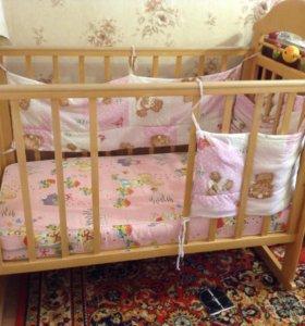Детская кровать маятник и матрас