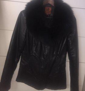 Тёплая куртка из ЭКО-кожи с натуральным воротом