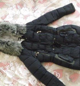 Зимняя куртка ,с густым мехом.