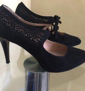 Туфли замшевые, натуральная кожа 39 р-р, Kapricci