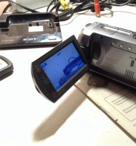Видеокамера Sony Handycam DCR-SR82