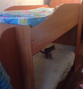 Кровать двухярустная