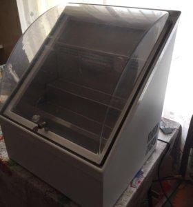 Холодильник-витрина настольный