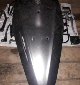 Продам пластик скутер сузуки