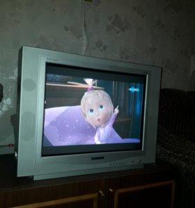 Телевизор Ролсен на дачу